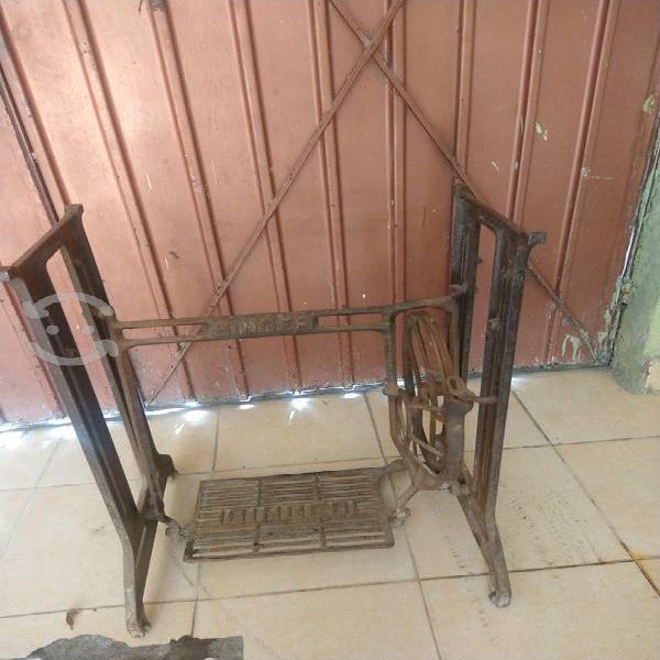 Antigua base máquina coser singer