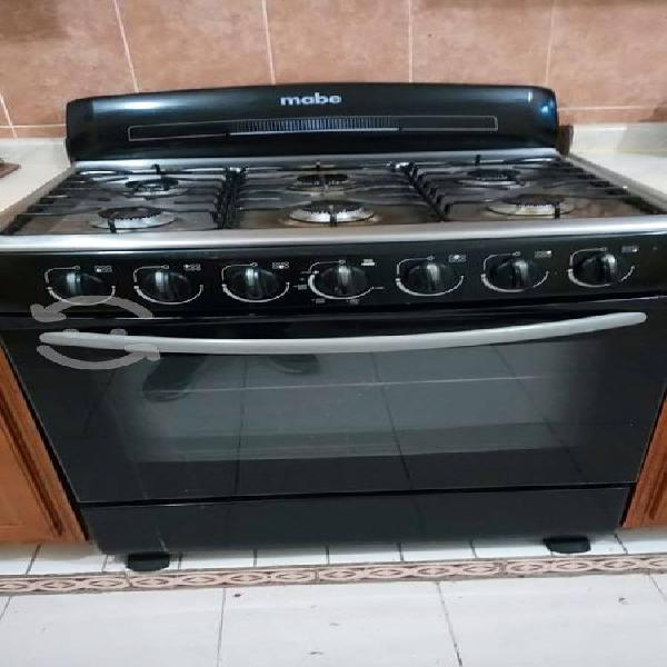 Estufa mabe de 6 quemadores color negro