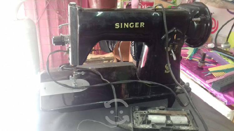 Maquina de coser singer y mueble para maquina