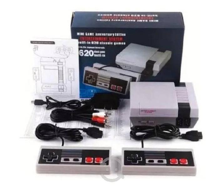Consola retro con 620 juegos clásicos dos contrila