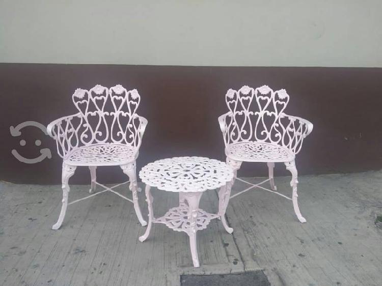 Juego de dos sillas