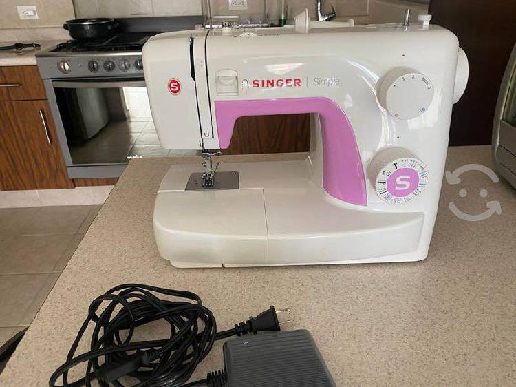 Máquina de coser singer simple 3223