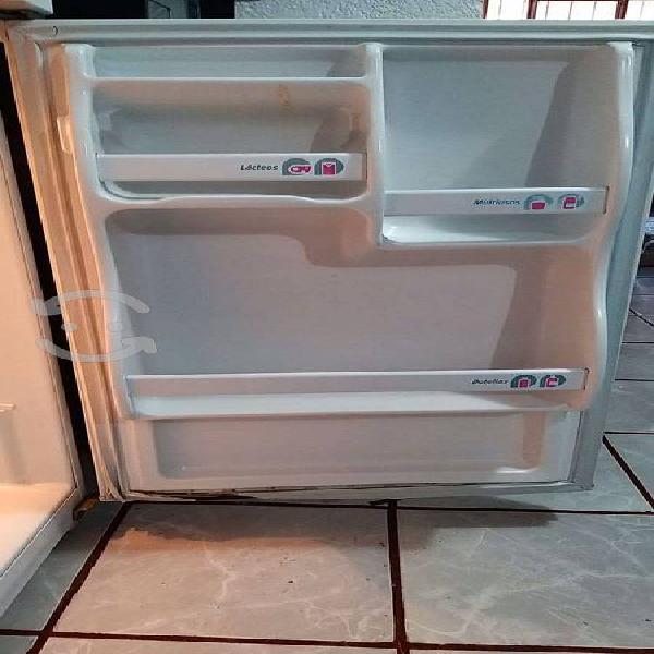 Refrigerador iem 6 pies