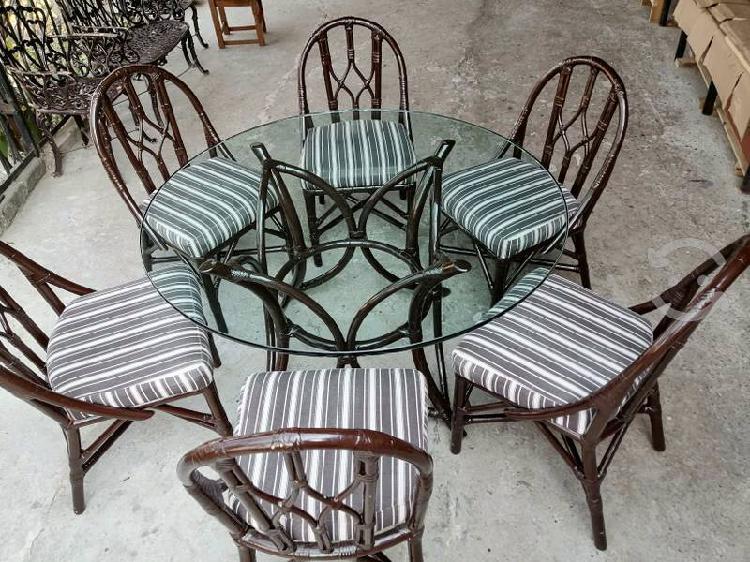 Comedor de 6 sillas color cafe