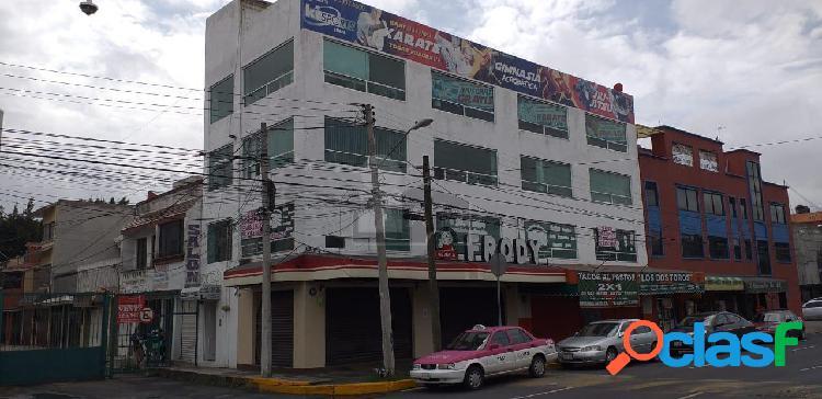 Local comercial de 140 m2 con área de recepción y divisiones de tablaroca que se pueden modificar