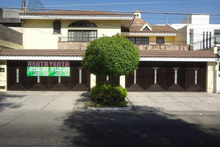 Casa en Venta o Renta Bosques de la Victoria en Guadalajara