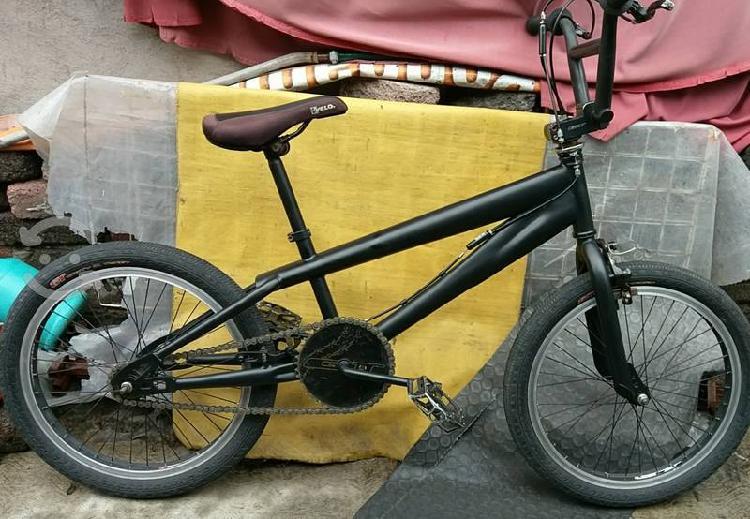 Bicicleta gt affliction freestyle r20