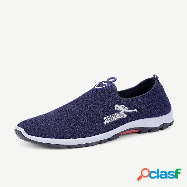 Resbalón deportivo transpirable cómodo tejido de punto de los hombres en zapatillas de deporte casuales