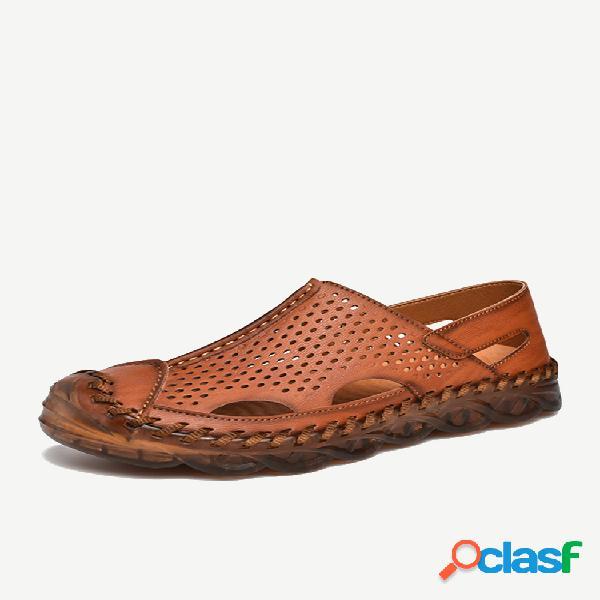 Hombre agujero de cuero cosido a mano antideslizante al aire libre casual sandalias