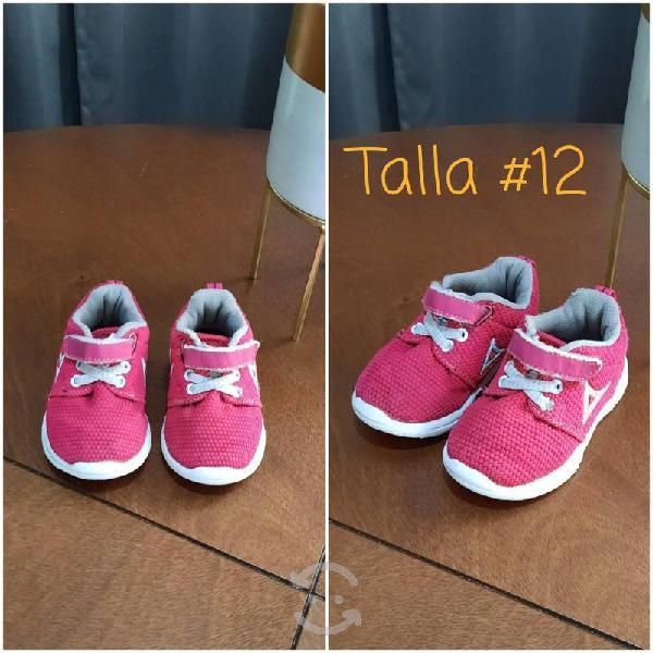 Lote zapatos para niña muy buenas condiciones