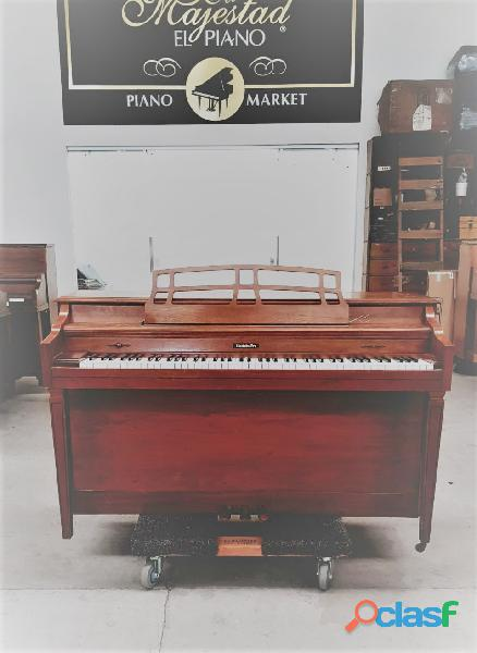 Piano baldwin console de cincinnati.