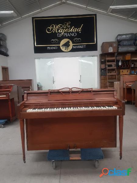 Piano wurlitzer espineta nogal.