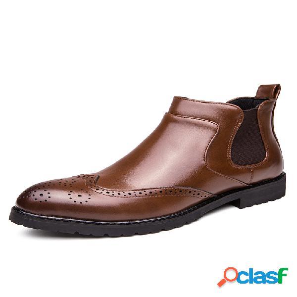Hombres con estilo brogue tallado en el tobillo chelsea botas