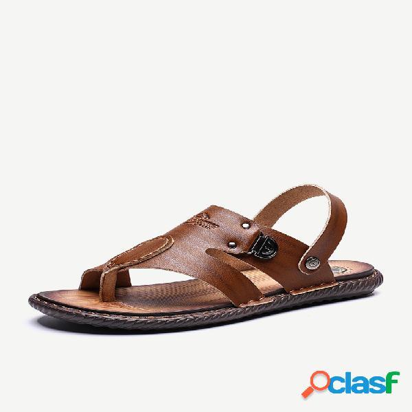 Hombres de gran tamaño de cuero metal decoración antideslizante zapatillas casual playa sandalias