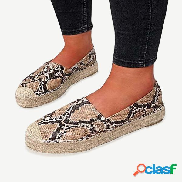 Mujer slip informal en zapatos con plataforma portátil tejida
