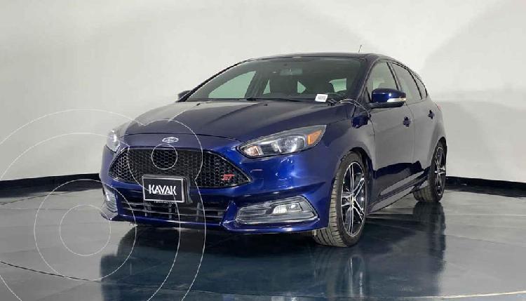 Ford Focus Versión usado (2016) color Azul precio $337,999