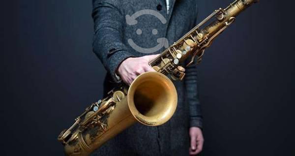 Saxofonista,amenizo eventos cel. 22 23 12 27 99