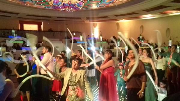 Grupo musical versátil para fiestas bodas cumples