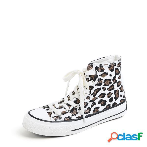 Botas de lona con patrón de leopardo con cordones blancos