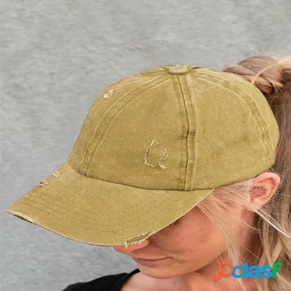 Mujer gorra de béisbol de mezclilla lavada rasgada con agujeros de moda de color sólido