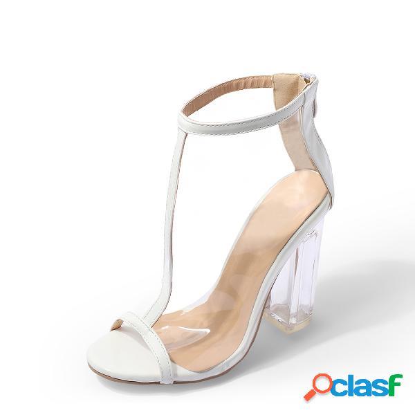 Sandalias transparentes peep toe con correa en t blanca y tacones gruesos
