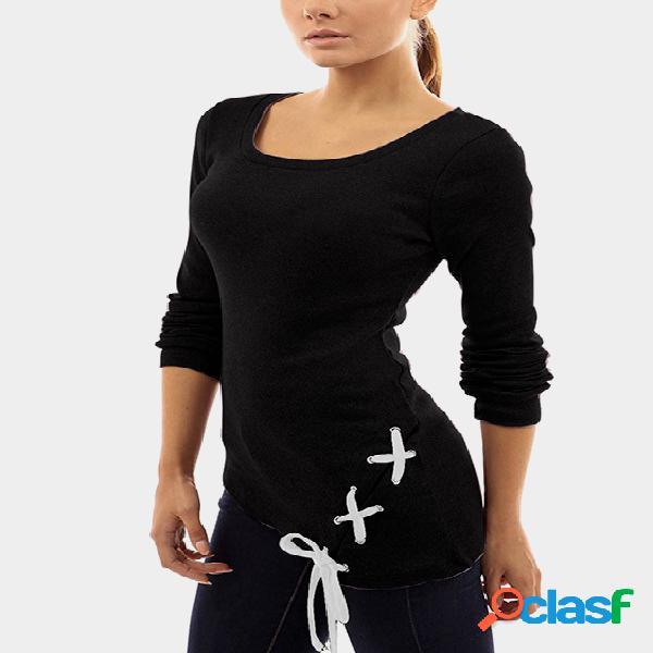 Camiseta asimétrica con cuello redondo y diseño negro con cordones