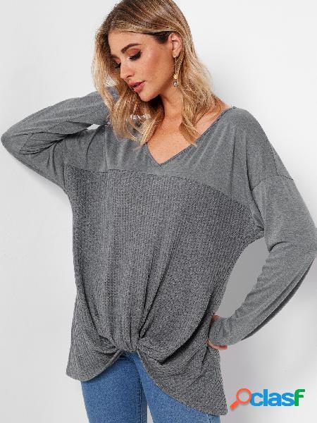 Mangas largas con cuello en v y diseño de nudo gris camisetas de manga larga